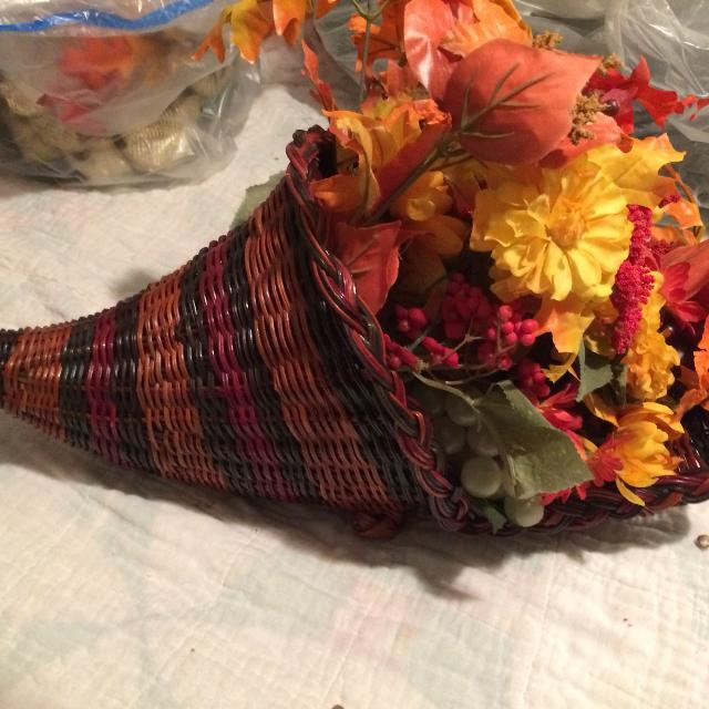 #215 fall floral arrangement artificial flowers wicker wicker basket horn of plenty cornucopia 20""