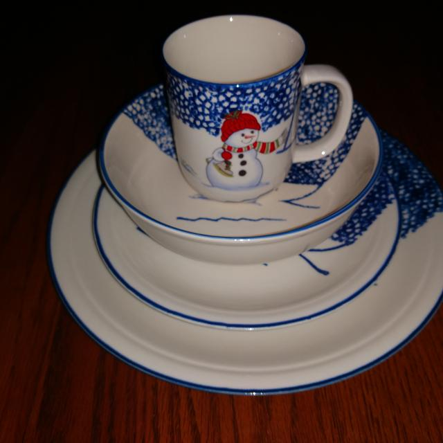 Find More Christmas Dinnerware Set Service For 8 For Sale At Up To