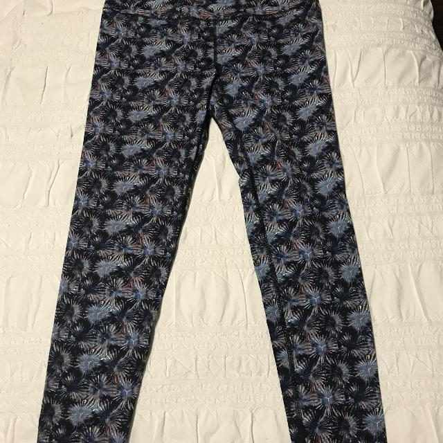 f5ad3353bef83f Find more Bnwt Victoria's Secret Vsx Knockout High Waisted Leggings ...