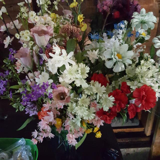 Best Large Silk Flowers And Vases Lot For Sale In Portland Maine