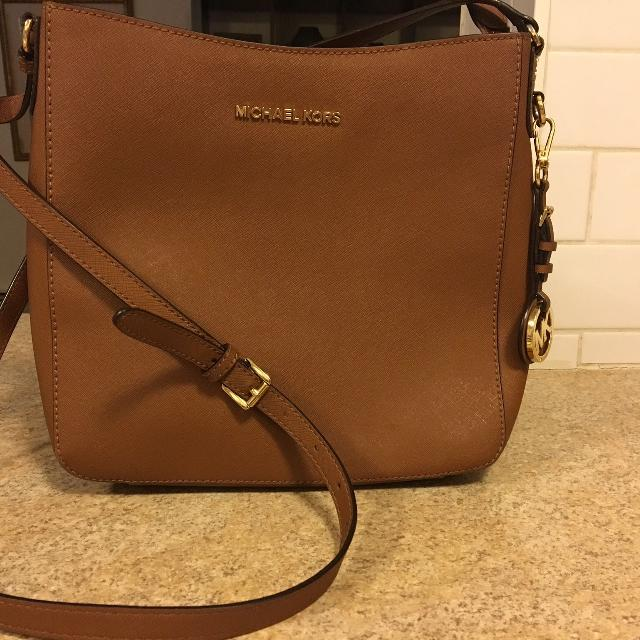 331f6a34d8fc Find more Michael Kors Side Bag for sale at up to 90% off