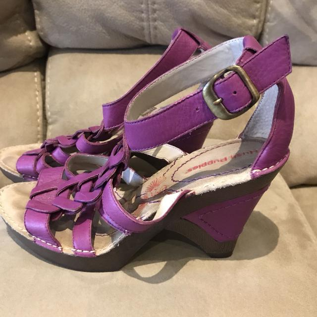 4d940a03c57b6 Find more Euc Ladies Purple Hush Puppies Strappy Wedge Heel Size 7 ...
