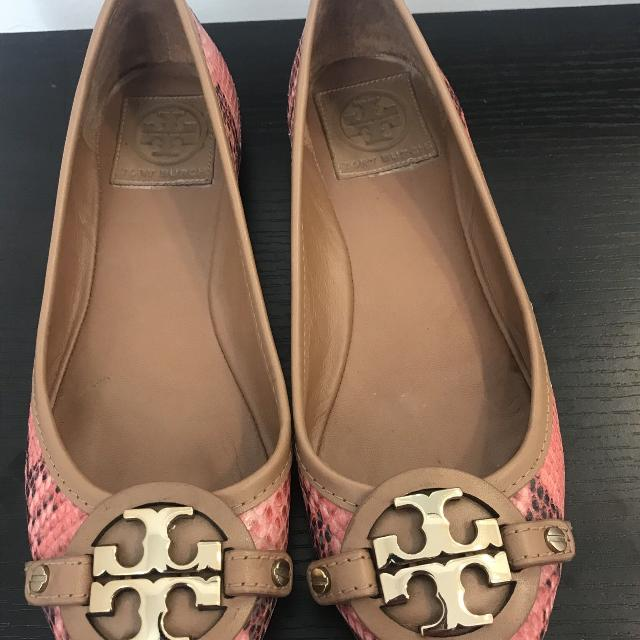 8e970b707befb Find more Authentic Tory Burch Snakeskin Reva Flats Women s Size 5 1 ...