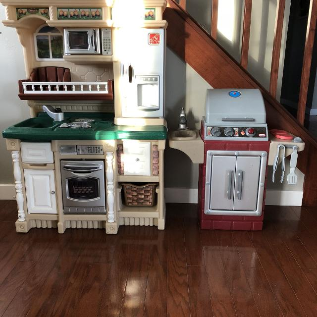 Step 2 Kitchen And Little Tikes Grill