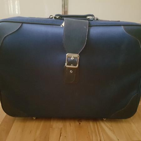 Great small in-cabin travel suitcase for sale  Canada