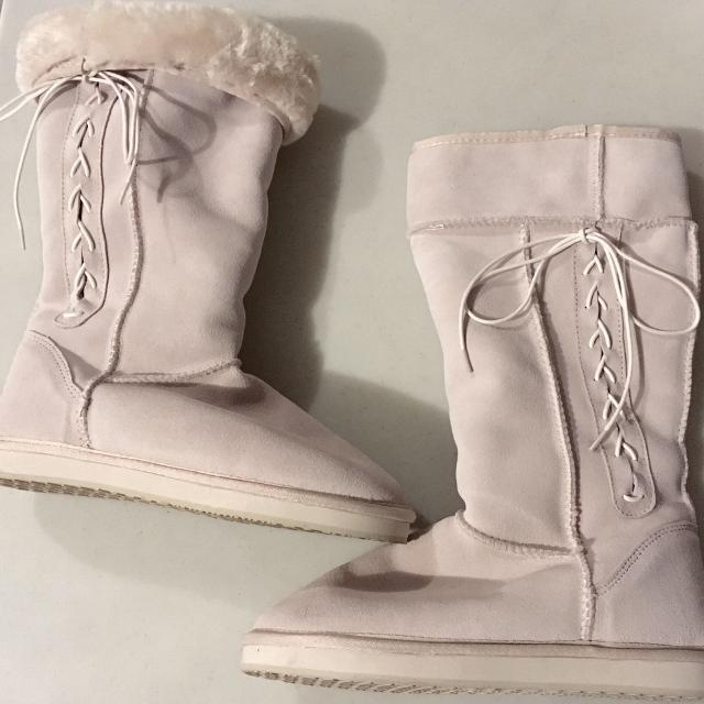 0b2050e0085b Find more American Eagle Lace Up White Boots Size 9 Reduced for sale ...