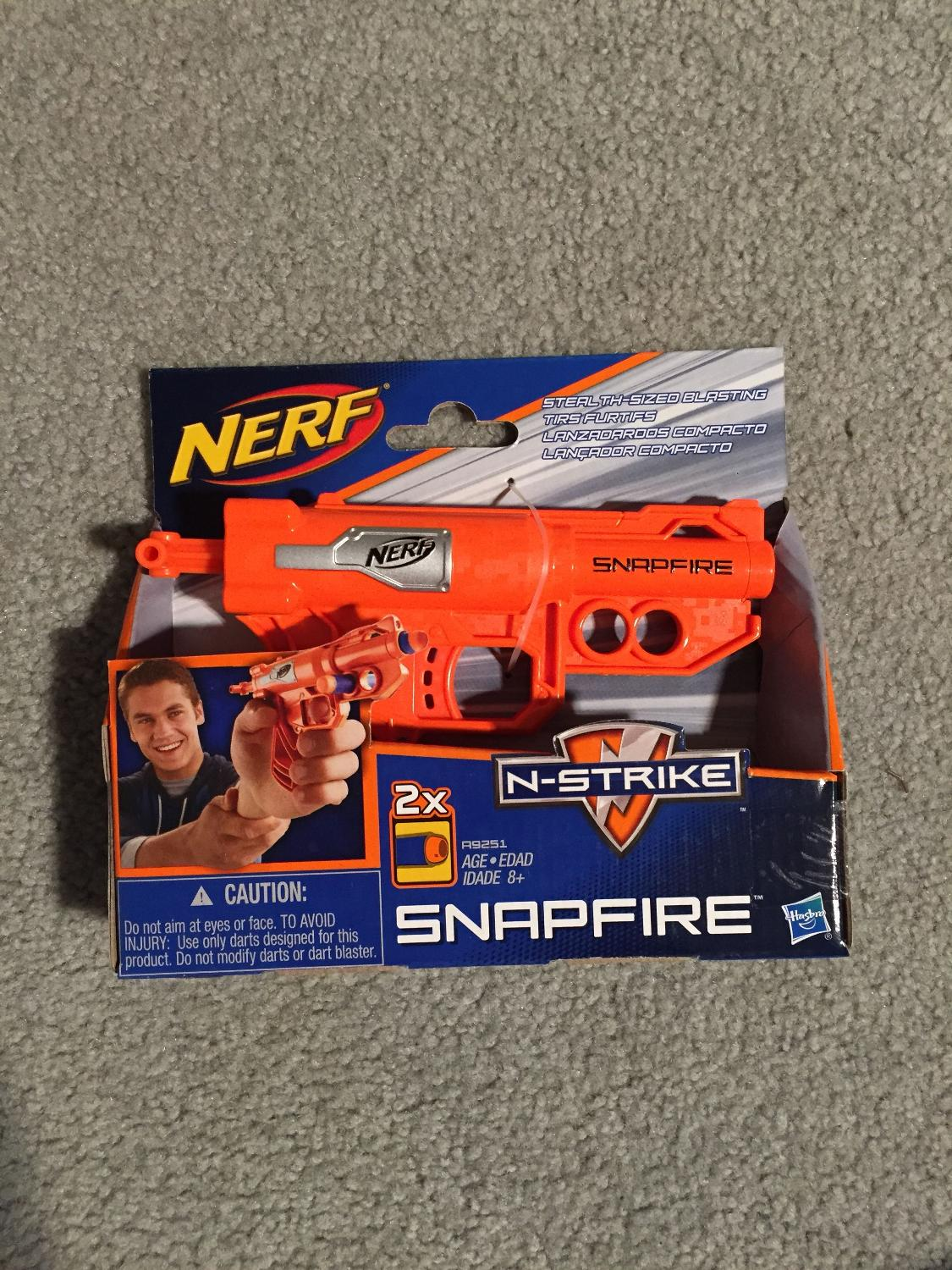 """Brand new Nerf N strike """"snap fire"""" mini gun  Great Xmas gift! ( Swipe left  for another pic )"""