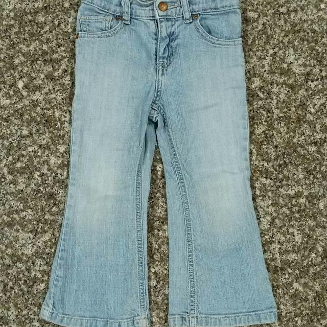 THE CHILDREN'S PLACE, Blue Jeans w/ an Adjustable waistband/snap button -  Flare Stretch  Size 4T  EUC  No Smoke/No Pets/No Holes/No Stains