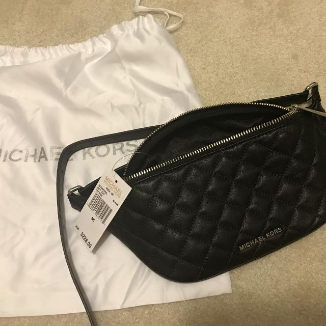 e1994995e0a0 Find more Bnwt Michael Kors Fanny Pack for sale at up to 90% off