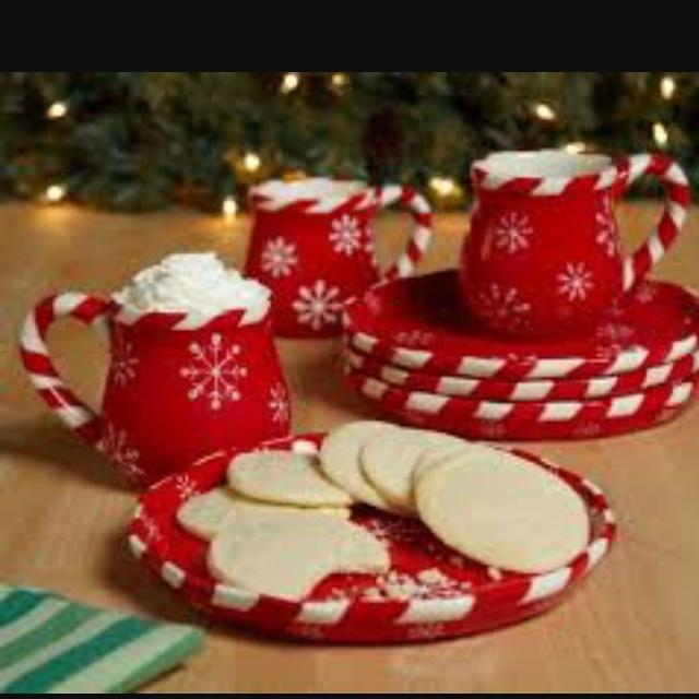Temptations Christmas.Set Of 4 Temptations Christmas Red Snowflake Mugs And Dessert Plates Nib