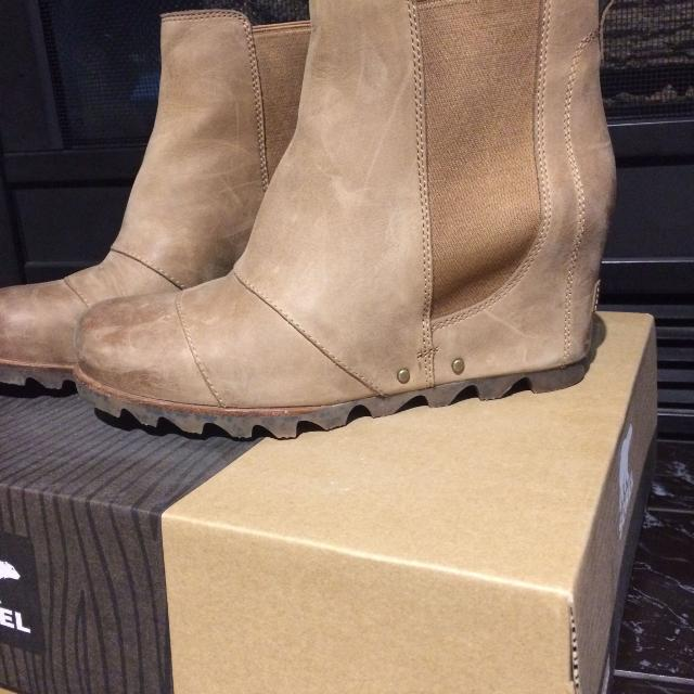 7d5e8bd7b9a Find more Sorel Lea Wedge Elk Curry Size 9 for sale at up to 90% off