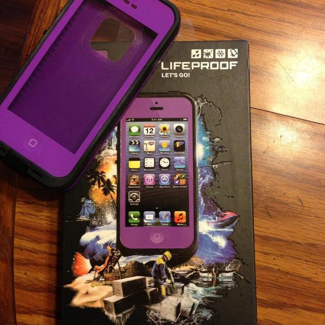 the latest 62e12 31a75 iphone 5 lifeproof box