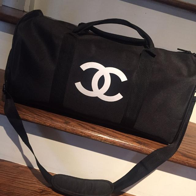 1e47b9207762 Find more Authentic Vip Chanel Duffle Bag for sale at up to 90% off