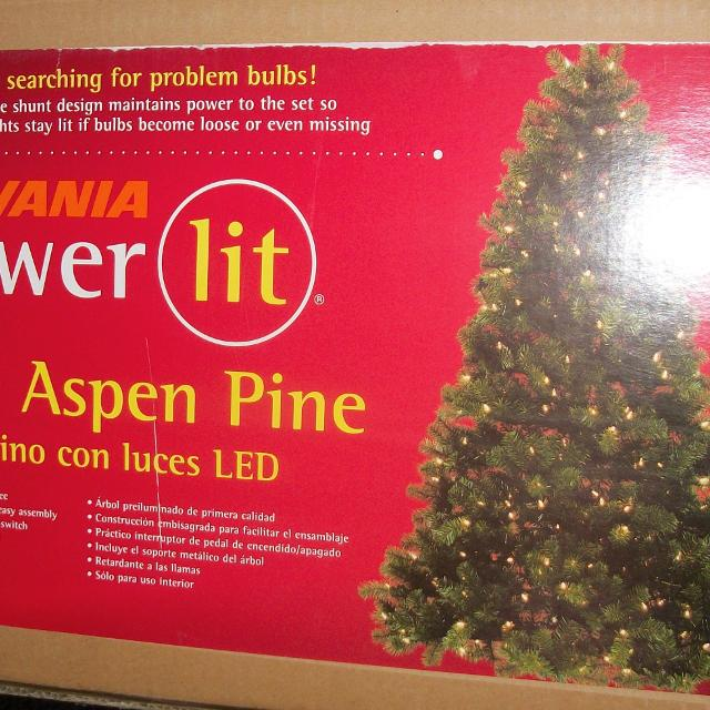 Sylvania 7ft. Pre-Lit Christmas Tree - New <3 - Find More Sylvania 7ft. Pre-lit Christmas Tree - New For Sale At Up