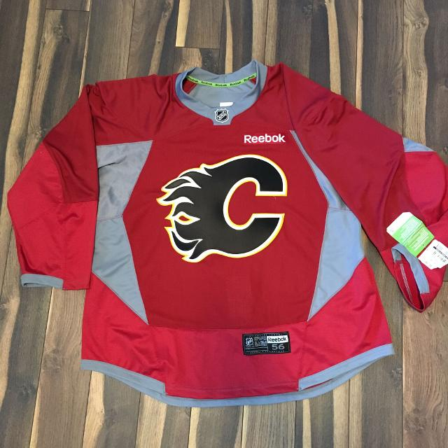 Brand new with tags! Authentic Reebok Calgary Flames Pro Stock Edge red  practice jersey ( 777f45762