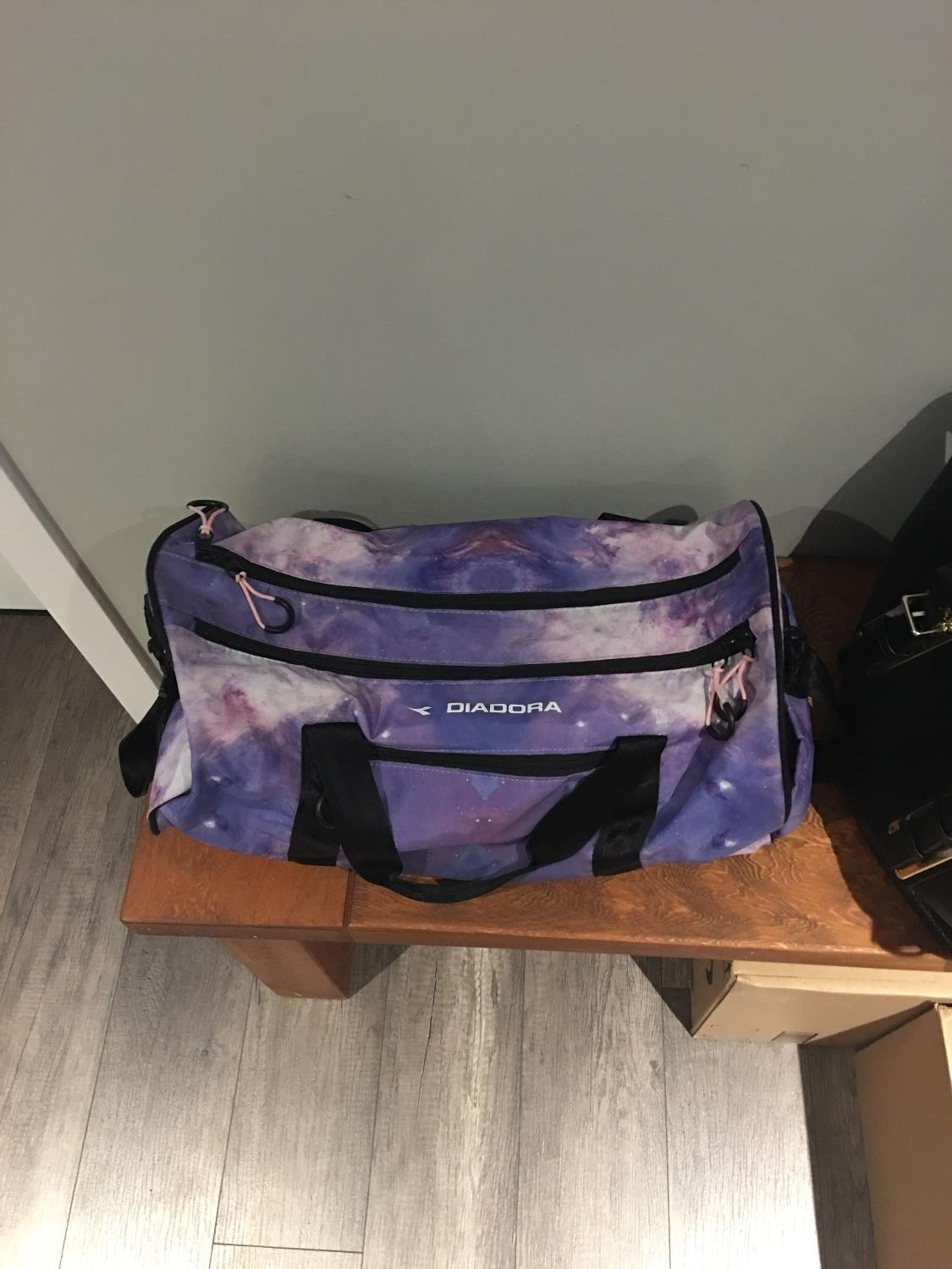 54bb72ff Diadora gym bag