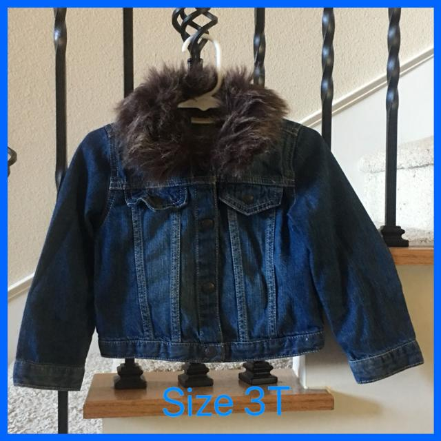 54140093e Best Girl s Crazy 8 Denim Jacket With Removable Fur Collar- Size 3t ...