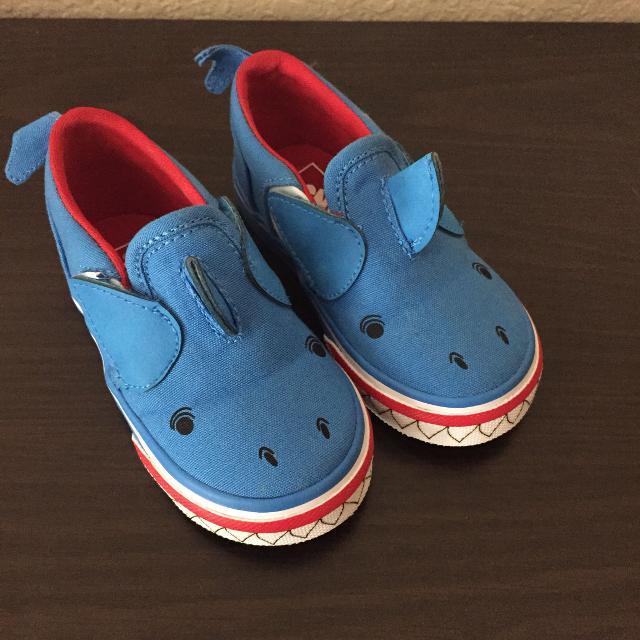 b80a243c057 Find more Toddler Size 6.5 Shark Vans for sale at up to 90% off