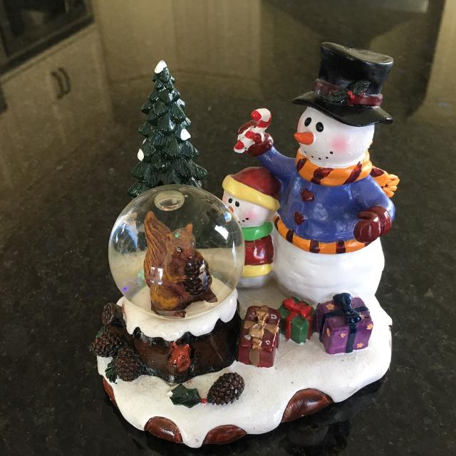 Beautiful Ceramic Snowman Snow Globe Christmas Decoration With Squirrel Christmas Tree Gifts