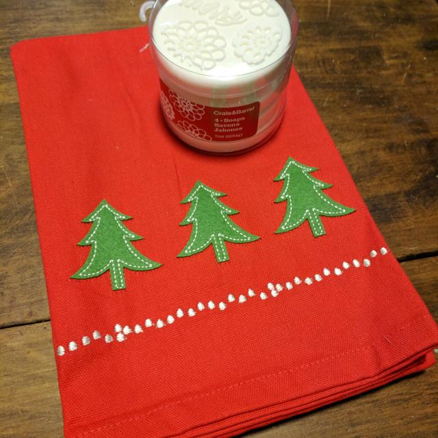 Best Crate Barrel Kitchen Towelssoaps Christmas Theme For Sale