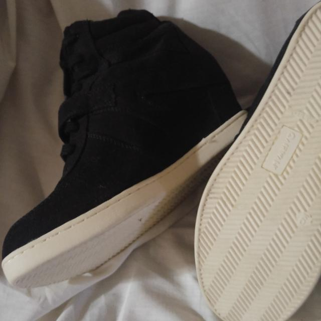 Find more Size 9 Airwalk Brand Sneaker Wedges for sale at up to 90% off 187be3e1e8c1