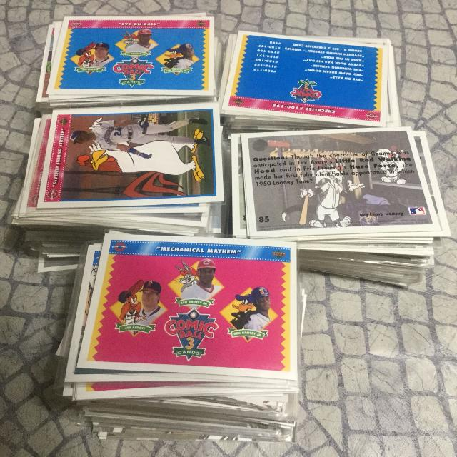 Assorted Looney Tunes Baseball Cards