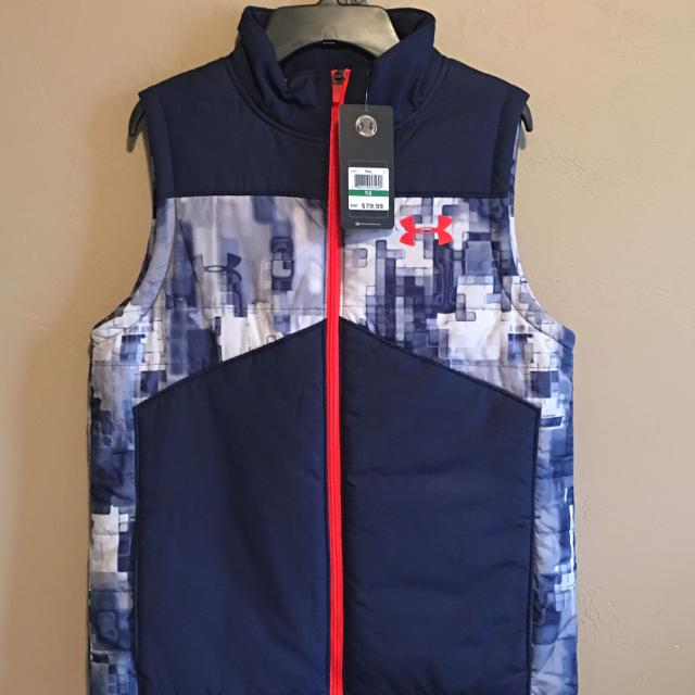 239e1137e6c Find more Boys Under Armour Cold Gear Vest Size Youth Large New Tags ...
