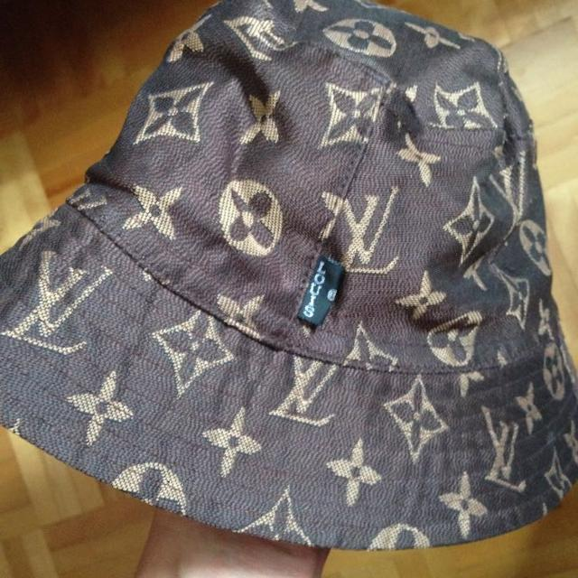 Best Louis Vuitton Bucket Hat for sale in Montréal 3f64f04fd03
