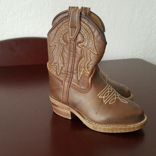 f289f70dd573 Find more Toddler Girls Cowboy Boots Size 5 Euc for sale at up to 90 ...
