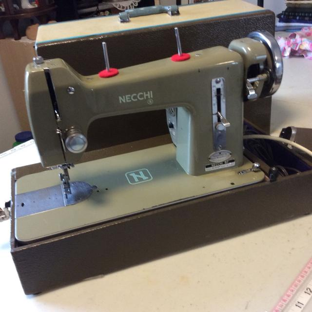 Find More Necchi Bf Mira Vintage Sewing Machine 40 Obo For Sale At Delectable Necchi Bf Mira Sewing Machine