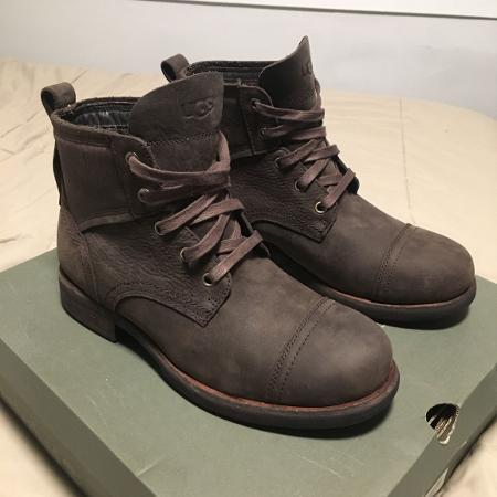 UGGS SIZE 7 MEN BRAND NEW for sale  Canada
