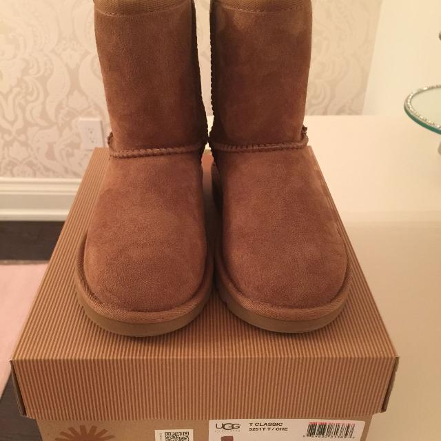 0cddc90d7cf Brand New in Box - Kids/Toddler Ugg Uggs boots sz 12/29