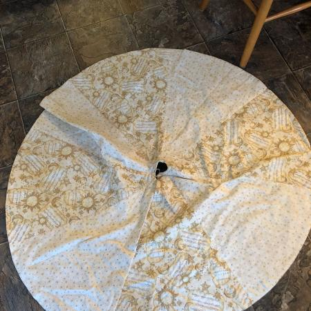 Used, Christmas tree skirt (quilted) for sale  Canada