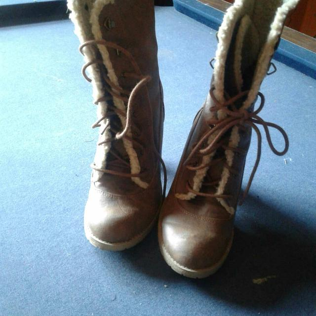 a56f948e3d95 Find more American Eagle Brown Boots. for sale at up to 90% off