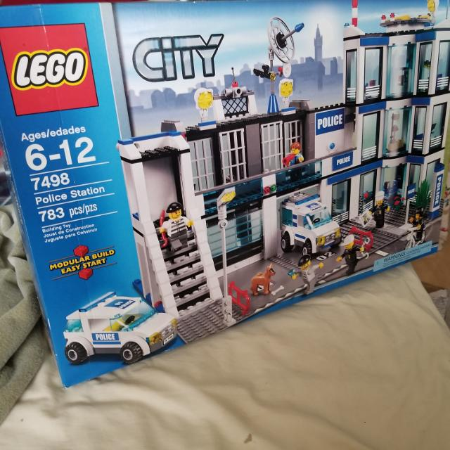 Best Lego City Retired In 2011 For Sale In Vancouver British