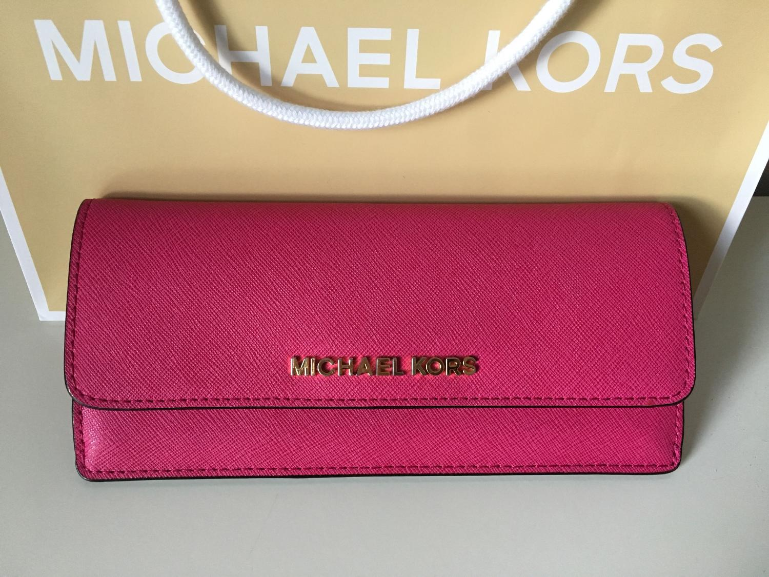 f9219e6d7cc3f6 Find more Michael Kors Jet Set Saffiano Leather Wallet In Raspberry ...
