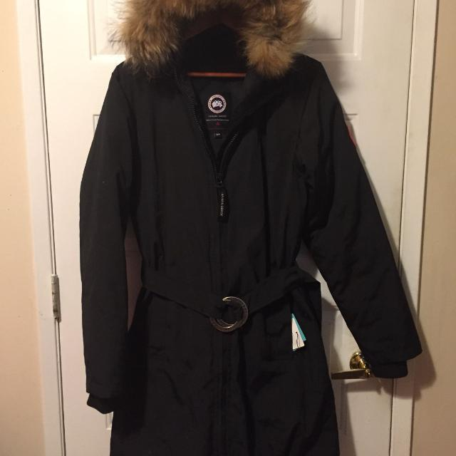 """Find more Canada Goose """"whistler"""" Parka Small for sale at up to 90% off 3dfd0a9342f7"""
