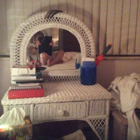 Wicker vanity with drawer REDUCED... for sale  Canada
