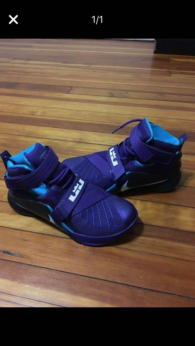 finest selection 84906 d5443 New Lebron James purple sneakers size 8