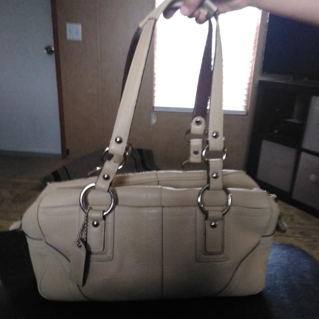 9c3d371b0f Best Gorgeous Cream Colored Leather Coach Purse for sale