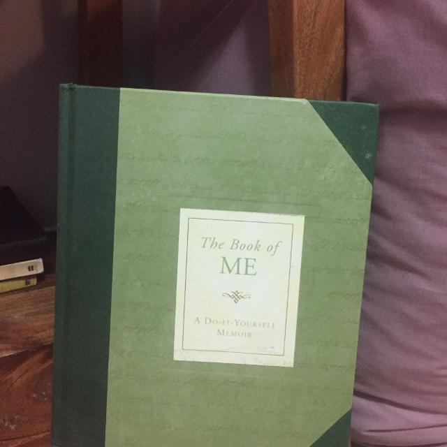 Best the book of me do it yourself memoir for sale in oshawa the book of me do it yourself memoir solutioingenieria Image collections