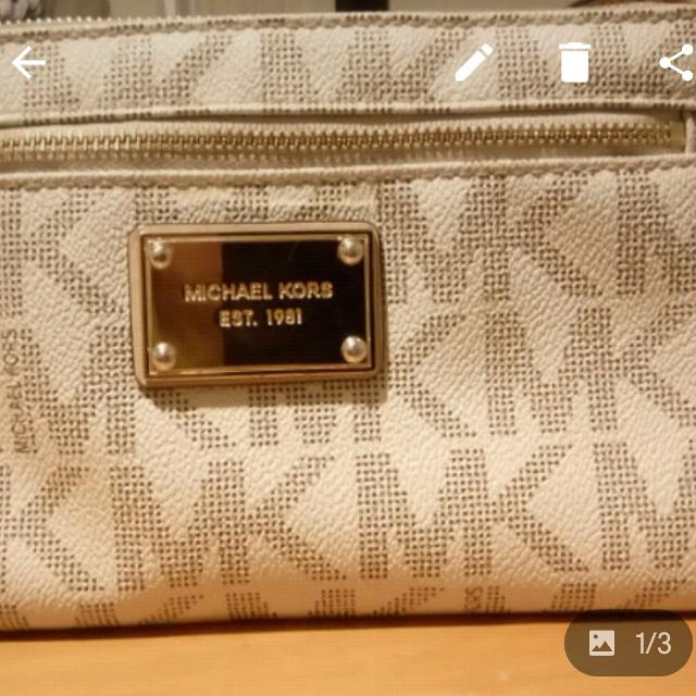 3a6925fc84c3 Best Michael Kors Clutch for sale in Port Moody, British Columbia for 2019