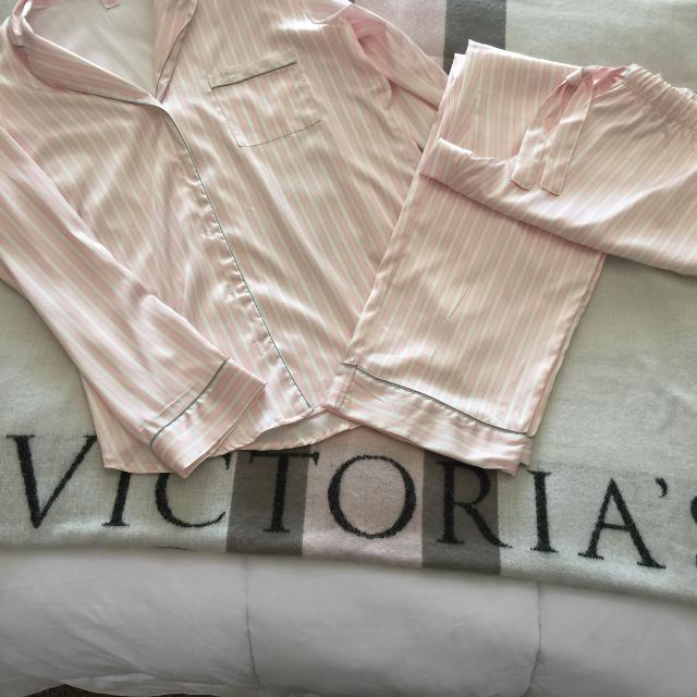 24ef83022f296 Victoria's Secret Satin Pajamas Never Worn. Size L $20