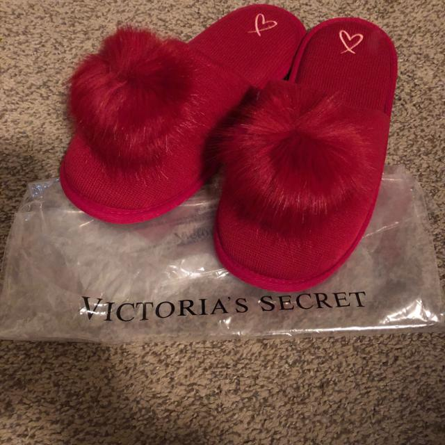 e29f944a089 Find more Victoria s Secret Red Pom Pom Slippers for sale at up to ...