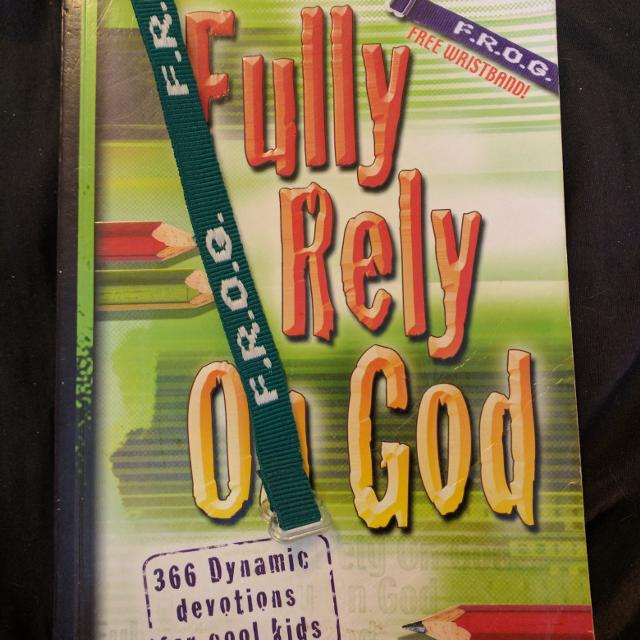 Fully Rely on God  NIV study bible  Kids 365 Daily devotional with bookmark
