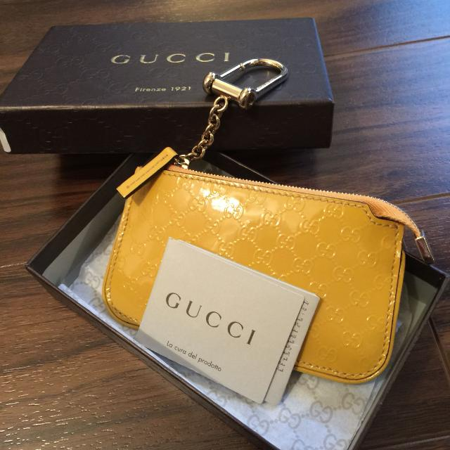 0a51722b73c2 Find more Bnib Gucci Signature Key Case for sale at up to 90% off