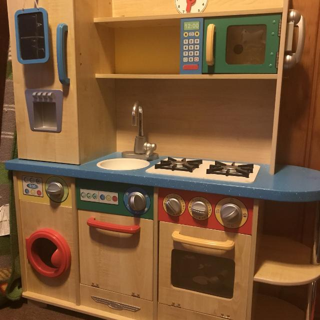 Kids wooden kitchen play set w/assorted play food and toy kitchen utensils