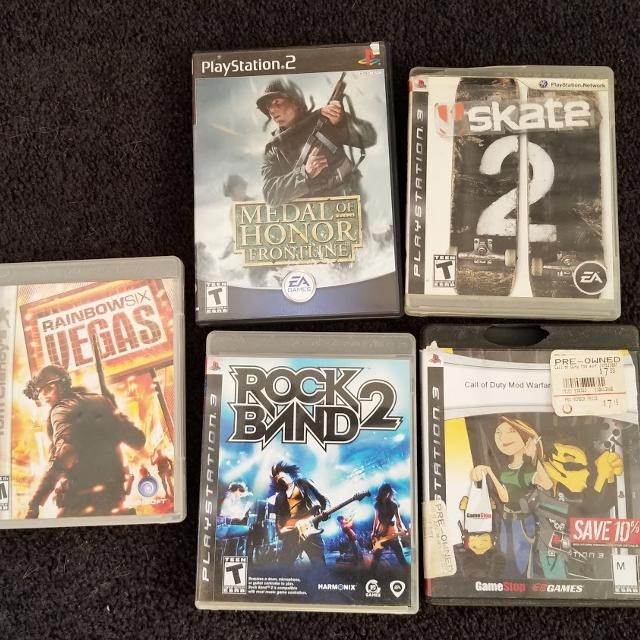 4 PS4 and 1 PS2 Games