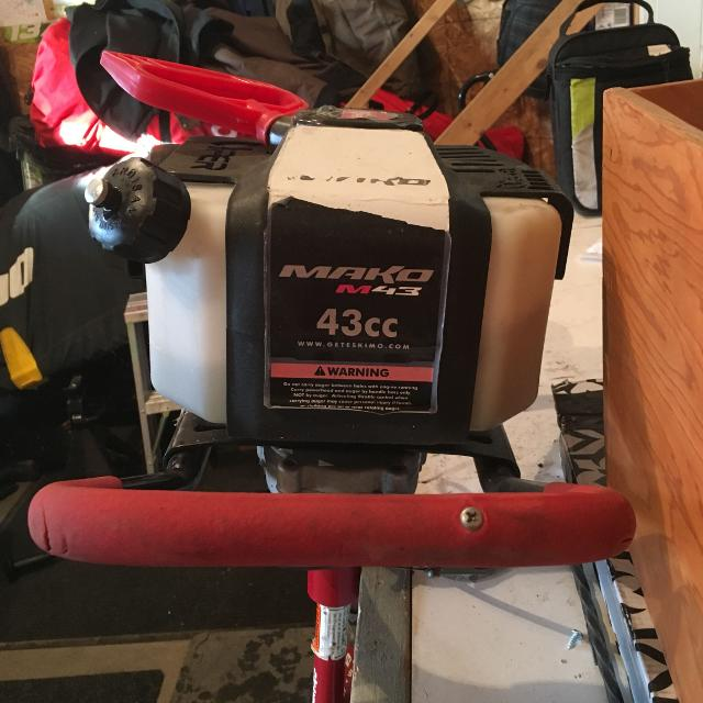 """Eskimo mako 43cc 8"""" ice auger with extension"""