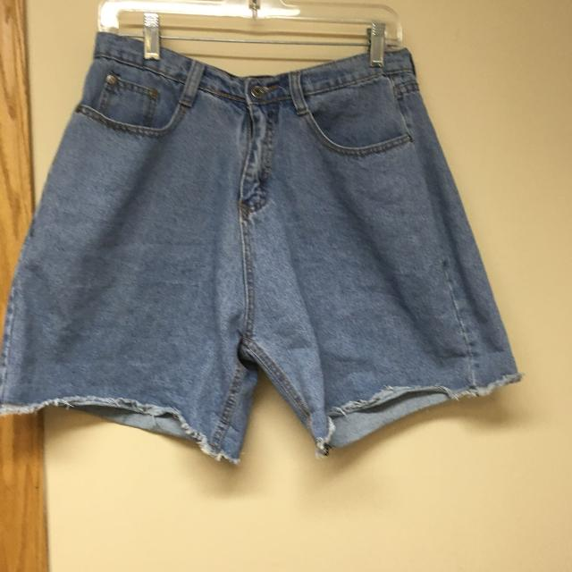 2ebe92a675a09d Find more Short Jeans Large for sale at up to 90% off